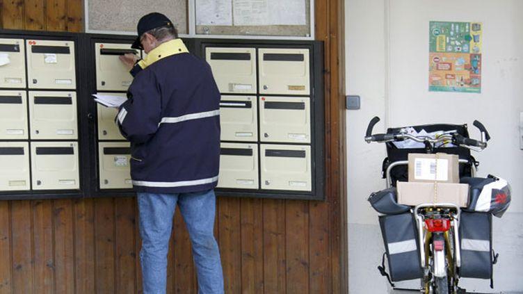 (Des postiers bientôt reconvertis en examinateurs du permis de conduire ? © monregard -Fotolia)