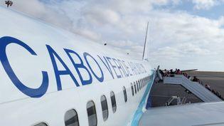 Les autorités du Cap-Vert ont interdit les vols en provenance d'Italie surleur sol jusqu'au printemps 2020 (image d'archive de l'aéroport international Amilcar Cabral sur l'île de Sal). (DANIEL SLIM / AFP)