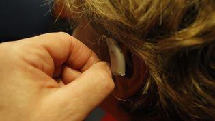 Prothèses auditives. (OLIVIER LEJEUNE / MAXPPP)