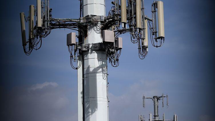 Des antennes de téléphonie mobile pouvant intercepter des communications privées ont été découvertes aux Etats-Unis. (JUSTIN SULLIVAN / GETTY IMAGES NORTH AMERICA)