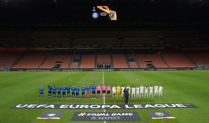 Un match de Ligue Europa se déroule à huis clos en raison de craintes de propagation du coronavirus Covid-19, le 27 février 2020, à Milan (Italie). (REUTERS)
