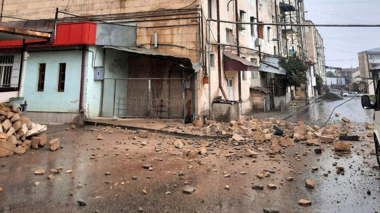 Dans la capitale du Haut-Karabagh arménien, les conséquences des bombardements aveugles des azéris. (CLAUDE BRUILLOT / RADIO FRANCE)