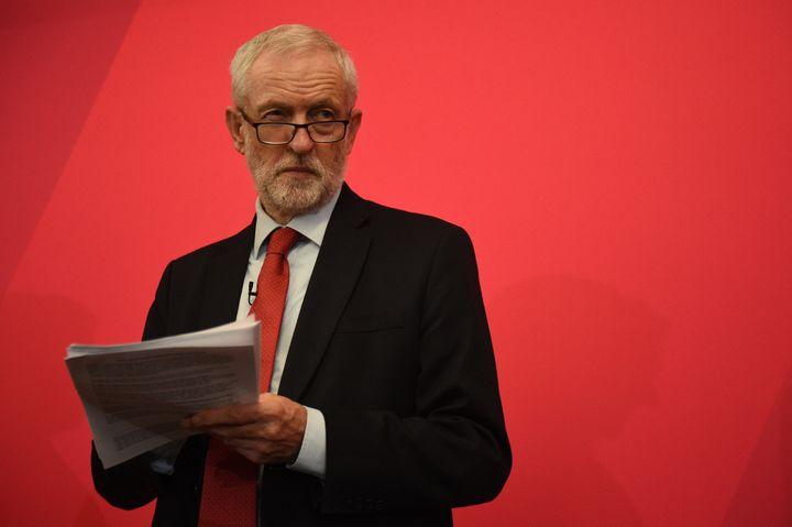 Le leader du Parti travailliste, Jeremy Corbyn, lors d'un meeting à Lancaster (Royaume-Uni), le 15 novembre 2019. (OLI SCARFF / AFP)