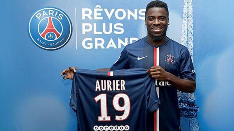 Le jeune défenseur Serge Aurier arrive à Paris