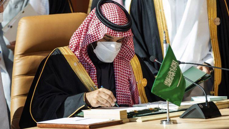 Le prince héritier saoudien Mohammed ben Salmane, le 5 janvier 2021 à Al-Ula (Arabie-Saoudite). (BANDAR AL-JALOUD / SAUDI ROYAL PALACE / AFP)