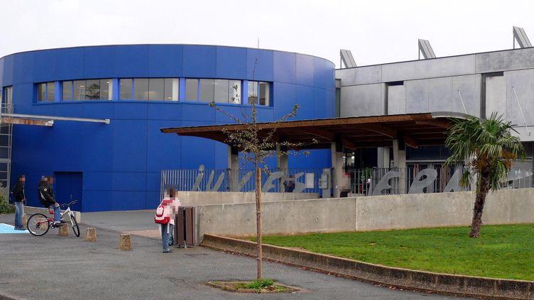 Le collège Jules-Verne de Buxerolles, près de Poitiers (Vienne). (LA NOUVELLE REPUBLIQUE / MAXPPP)