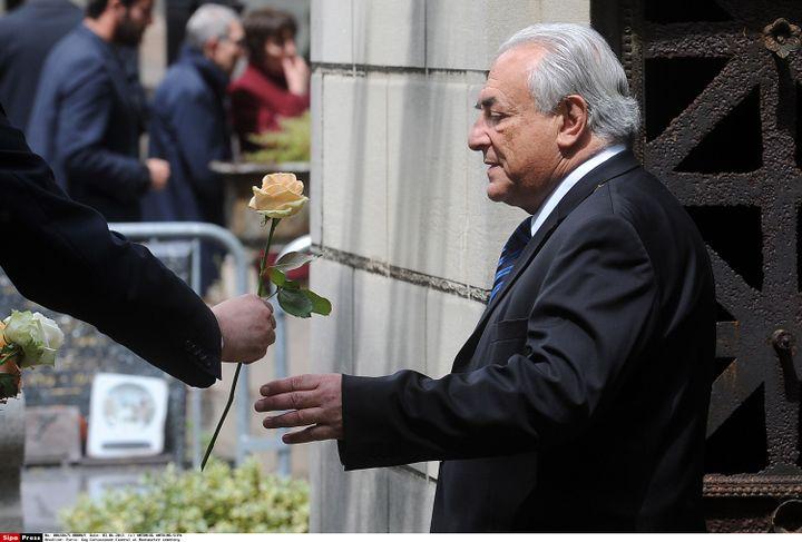 Dominique Strauss-Kahn à l'enterrement de Guy Carcassonne, le 3 juin à Paris. (ANTONIOL ANTOINE/SIPA)