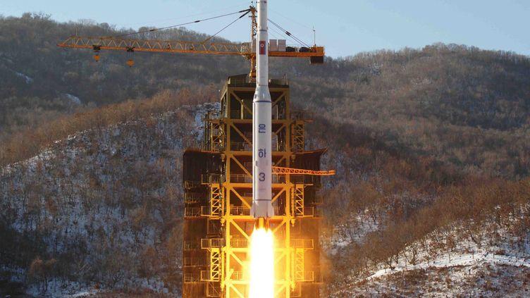 Une image de la fusée nord-coréenne lancée le 12 décembre 2012. (KCNA / AFP)
