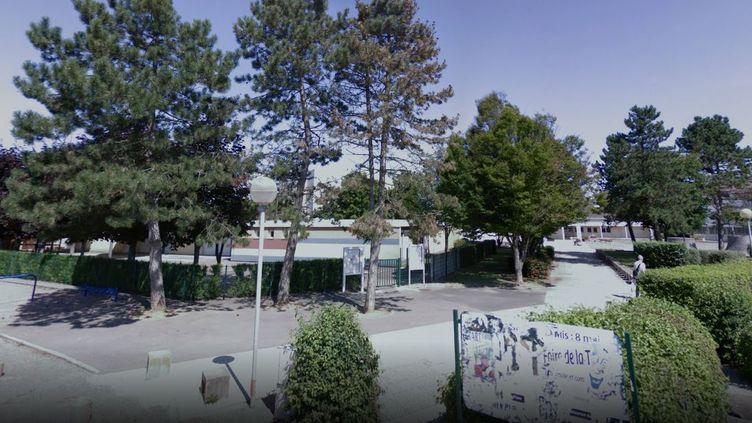 Les faits se seraient déroulésà l'école maternelle La Chênaie de Genlis (Côte-dOr). (CAPTURE ECRAN GOOGLE STREET VIEW)