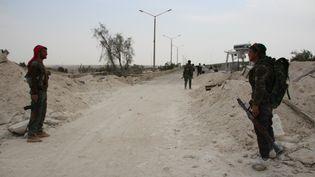 En Syrie, les forces de la coalition s'approchent du barrage de l'Euphrate, ici le 30 mars 2017, avant de lancer la bataille finale pour reprendre la ville de Raqqa. (MAXPPP)