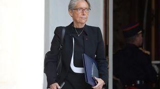 La ministre des Transports, Elisabeth Borne, quitte l'Elysée, le 12 juin 2018. (LUDOVIC MARIN / AFP)