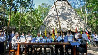 Les dirigeants ou représentants de sept pays de la régionsignent un pacte de protection de l'Amazonie,àLeticia (Colombie) le 6 septembre 2019. (RAUL ARBOLEDA / AFP)