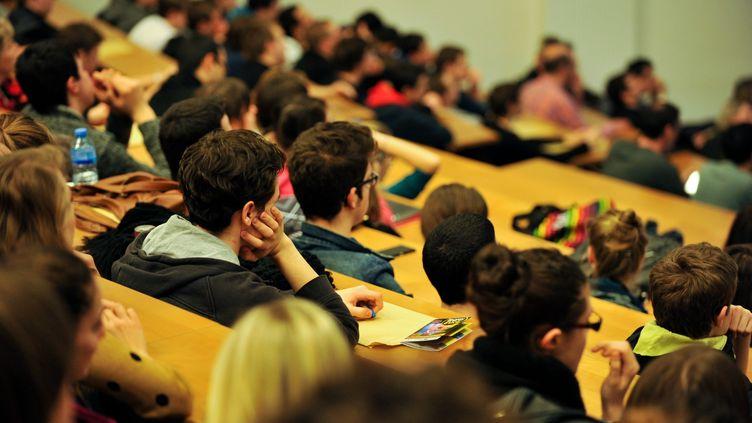Des étudiants de l'université de Franche-Comté, à Montbéliard (Doubs), le 22 mars 2013. (MAXPPP)