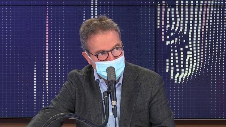 Martin Hirsch, directeur général de l'AP-HP, invité de franceinfo lundi 5 octobre 2020.  (FRANCEINFO / RADIOFRANCE)