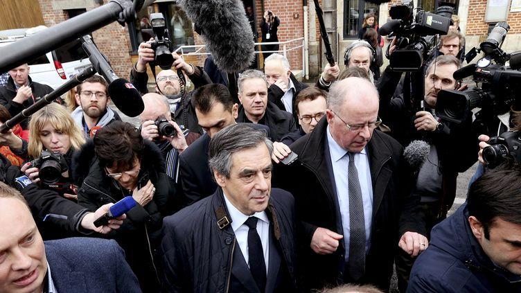 Le candidat Les Républicains à la présidentielle, François Fillon, lors d'un déplacement à Charleville-Mézières, dans les Ardennes, le 2 février 2017. (FRANCOIS NASCIMBENI / AFP)