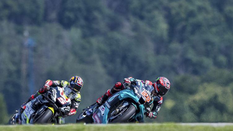 Les pilotes français, Zarco (Esponsorama Racing) et Quartararo (Petronas Yamaha), espèrent briller en Autriche. (MARTIN DIVISEK / EPA)