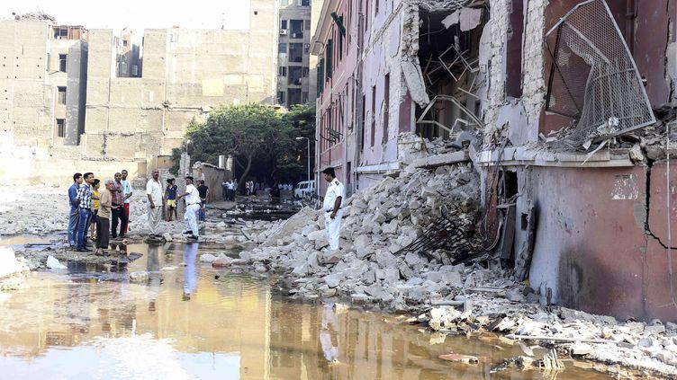 Le consulat italien partiellement détruit par l'explosion d'une bombe le 11 juillet 2015 au Caire (Egypte). (MOHAMMED EL-RAAI /AP / SIPA )