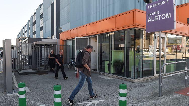 Devant l'usine Alstom de Belfort le 7 septembre 2016 (SEBASTIEN BOZON / AFP)
