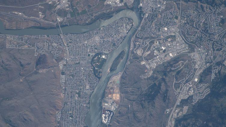 La ville deKamloops (Canada) vue de l'espace, le 24 juin 2018. (MAXPPP)