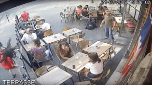 Lajeune femme a été frappée au visage à Paris, le 24 juillet 2018. (CAPTURE ECRAN / MARIE LAGUERRE)