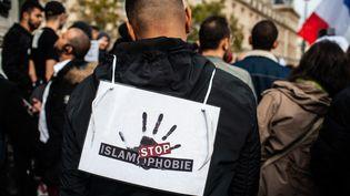 Des centaines de personnesmanifestentle 19 octobre 2019 place de la République, à Paris, pour dénoncer l'islamophobie. (BENJAMIN MENGELLE / HANS LUCAS)