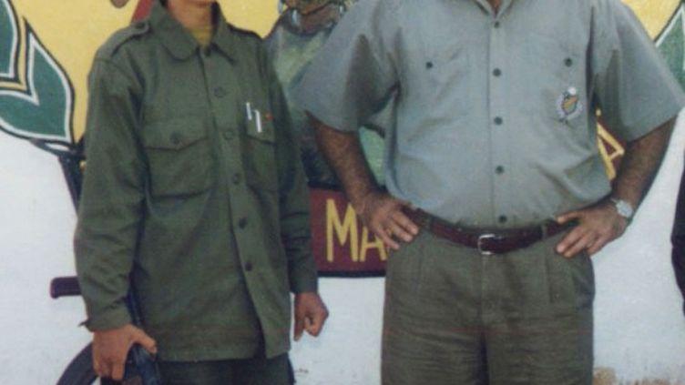 Sakine Cansiz (G) et le leader du PKK, Abdullah Öcalan, en 1995. ( JNA / REUTERS)
