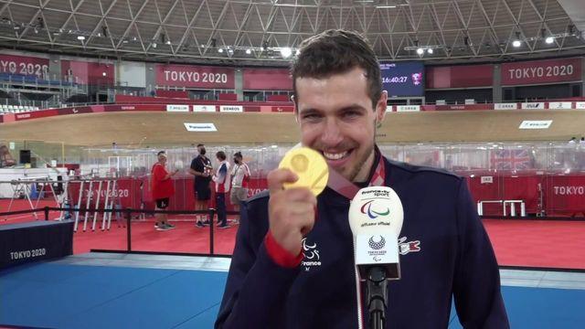 Dorian Foulon, nouveau champion paralympique de poursuite individuelle C5, porte un magnifique message d'espoir et de détermination. Le Breton, très ému à la sortie du podium, remercie l'ensemble de son entourage suite à son sacre.