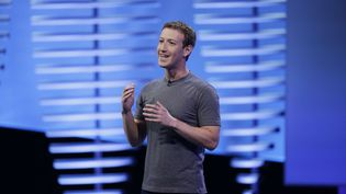Mark Zuckerberg durant une keynote à San Francisco le 12 avril 2016. (ERIC RISBERG/AP/SIPA)