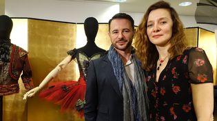 Frédéric Fontan et Agnès Letestu devant les costumes de l'Opéra de Paris, en février 2019  (Corinne Jeammet)