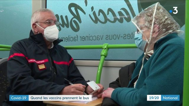 Covid-19 : dans la Marne, ils se font vacciner à bord d'un bus