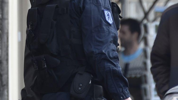 Merouane Benahmed, escorté par la gendarmerie le 18 décembre 2015 (PASCAL PAVANI / AFP)