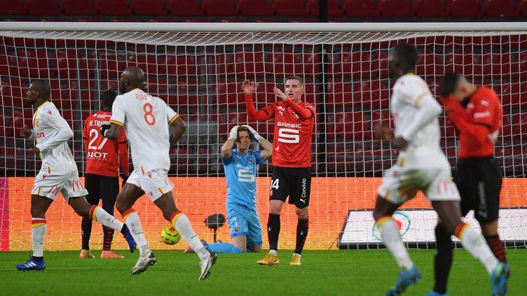 La joie des Lensois après le but de Kalimuendo à Rennes (LOIC VENANCE / AFP)