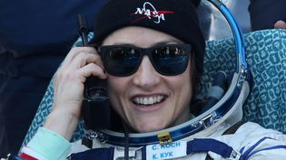 La spationaute américaineChristina Hammock Koch fait partie des neuf spationautes sélectionnées par la NASA pour la mission Artemis préviue en 2025 pour la Lune. Ici le 6 février 2020, après l'atterrisage desa mission à bord de la capsule Soyuz MS-13. (ALEXANDER RYUMIN / TASS / GETTY IMAGES)