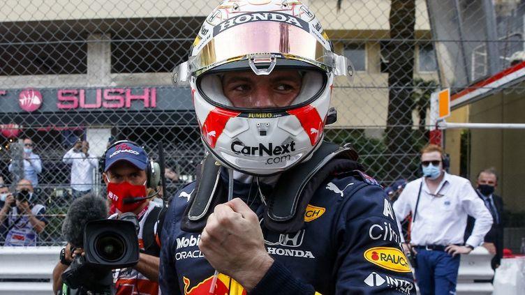 Max Verstappen célèbre sa victoire lors du Grand Prix de Monaco, le 23 mai 2021. (SEBASTIEN NOGIER / POOL)