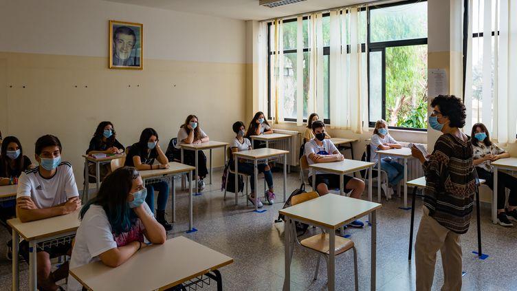 La rentrée scolaire dans un lycée de Molfetta (Italie), le 21 septembre 2020. (DAVIDE PISCHETTOLA / NURPHOTO / AFP)