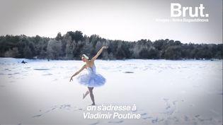 """VIDEO. Elle danse """"Le Lac des cygnes"""" au milieu d'une baie gelée pour interpeller Vladimir Poutine (BRUT)"""