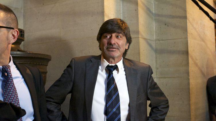 L'ex-numéro deux de la police judiciaire lyonnaise, Michel Neyret, le 2 mai 2016 au tribunal correctionnel de Paris. (CITIZENSIDE / PATRICE PIERROT / AFP)