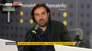L'auteur-compositeur d'origine arménienne André Manoukianle 7 octobre 2020 sur franceinfo. (FRANCEINFO / RADIOFRANCE)