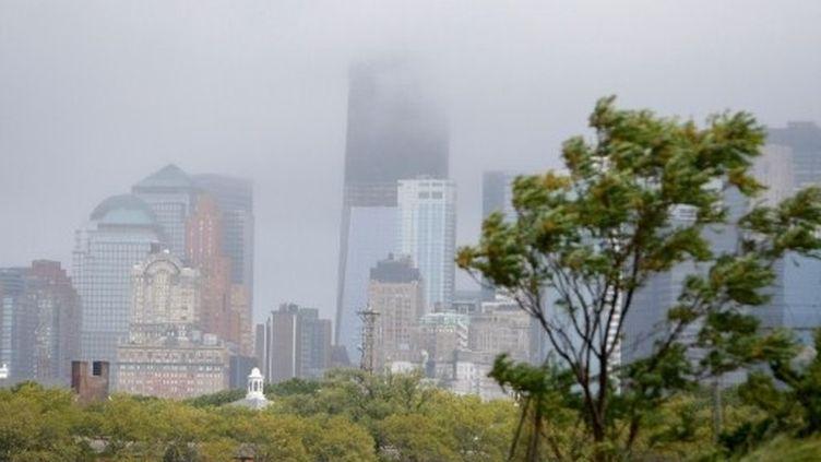 Irene a paralysé la métropole new-yorkaise, privé d'électricité des millions de foyers et abattu des milliers d'arbres. (Jemal Countess. Getty Images North America. AFP)