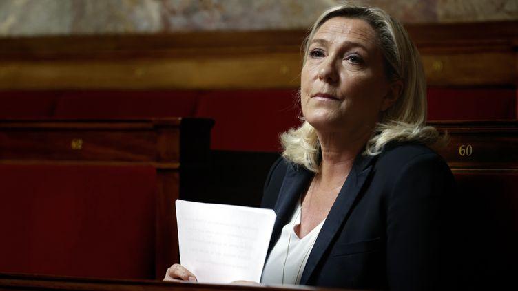 Marine Le Pen lors d'un débat à l'Assemblée nationale, à Paris, le 17 avril 2020. (THOMAS COEX / POOL / AFP)