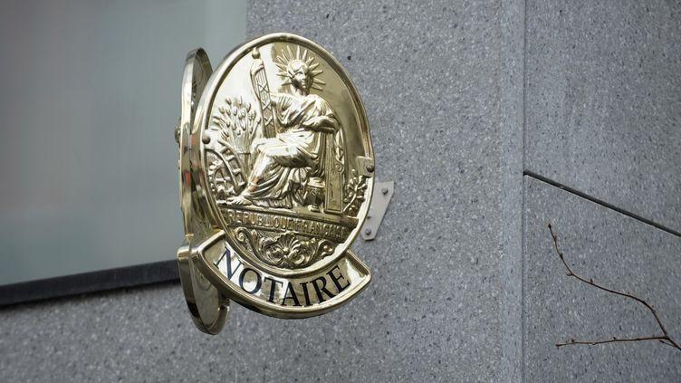A partir du 1er mars 2014, les frais de notaires augmentent de 0,7% dans la plupart des départements. (ROGER ROZENCWAJG / PHOTONONSTOP / AFP)