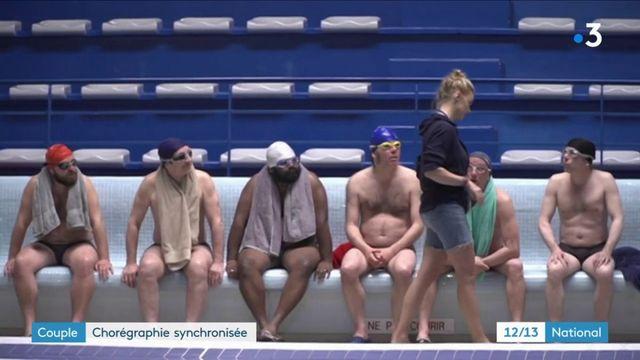 Poitiers : une équipe mixte de natation synchronisée