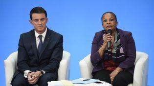 Le Premier ministre, Manuel Valls, et la ministre de la Justice, Christiane Taubira, à l'Elysée, mercredi 23 décembre 2015. (AFP)