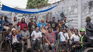 Les membres du groupe Staff Benda BililiàKinshasa (RDC), le 11 août 2021. (ARSENE MPIANA / AFP)