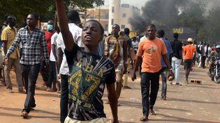 Une manifestation à Niamey, la capitale du Niger, contre la loi de finance en octobre 2017. (BOUREIMA HAMA / AFP)