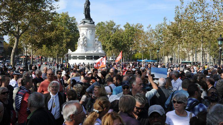 Hommage à Hervé Gourdelà Paris, sur place de la République, le 28 septembre2014 (DOMINIQUE FAGET / AFP)