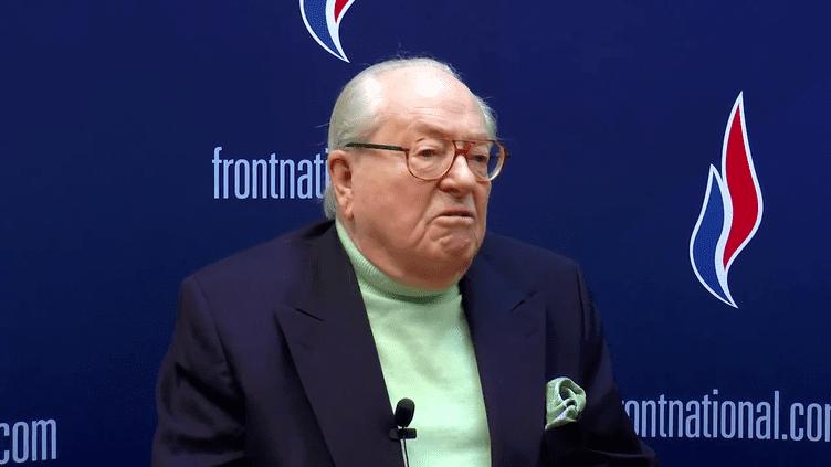 Le président d'honneur du Front national, Jean-Marie Le Pen, dans une vidéo postée sur son blog, le 24 janvier 2015. (YOUTUBE)
