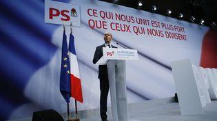 """Le Premier secrétaire du PS, Harlem Désir, prononce un discours lors du forum """"La république face aux extrémismes"""", le 5 octobre 2013, à Paris. (THOMAS SAMSON / AFP)"""