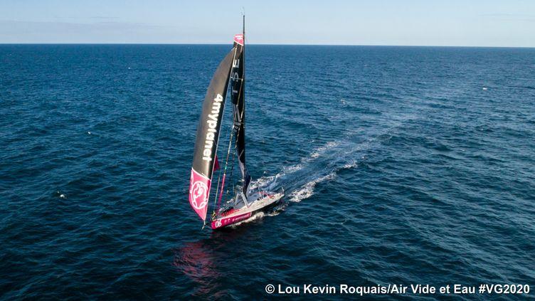 La skipper française Alexia Barrier (TSE - 4myPlanet), qui ferme la marche, devrait arriver en Vendée, entre le 25 et 27 février.