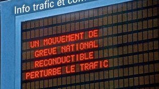 """Dans un communiqué publié mercredi 21 mars, la fédération Sud rail de la région Provence-Alpes-Côte d'Azur accuse la direction de la SNCF de """"supprimer prioritairement les trains devant acheminer les manifestants à Paris"""". (MAXPPP)"""